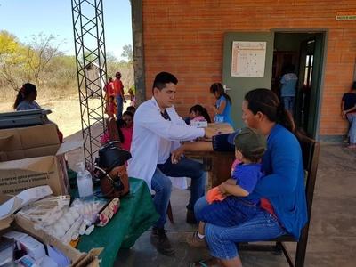 Salud asiste a asentamientos de Boquerón
