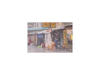 Mercado 4: Urgen el retiro de casillas que obstruyen avenida