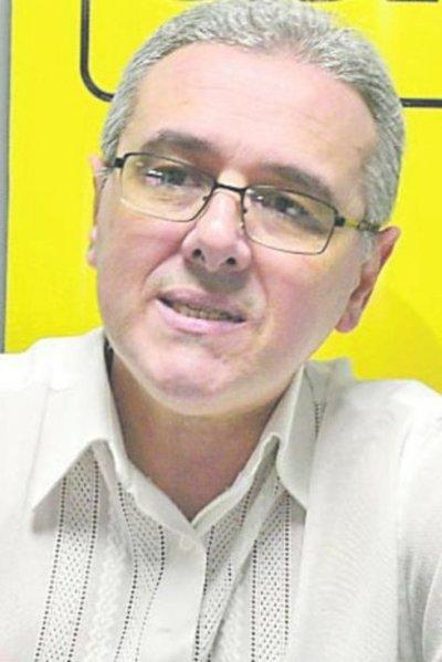 Admiten errores en textos para docentes y MEC pide informes