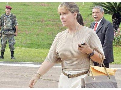 Hasta la hermana de Cartes porta pasaporte diplomático