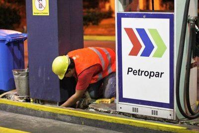 Petropar reajusta precio de sus combustibles en 300 guaraníes por litro