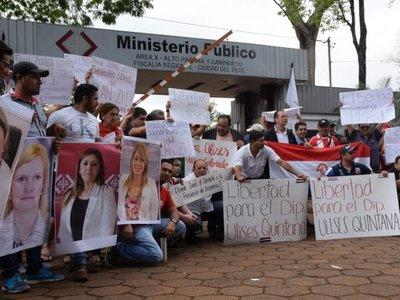 Exigen la libertad de Ulises Quintana frente a la Fiscalía de CDE