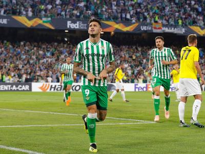 Toni Sanabria anotó para Betis por la Europa League