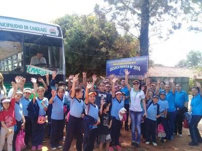 Estudiantes caaguaceños realizan turismo dentro de su propia ciudad – Prensa 5