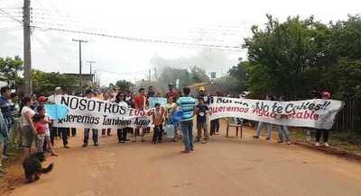 Se manifiestan exigiendo agua potable