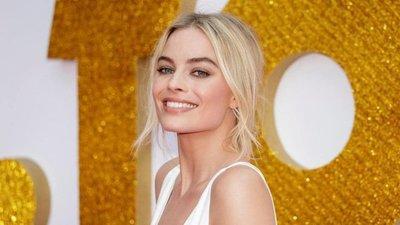 Margot Robbie negocia interpretar a Barbie en película
