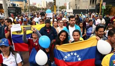 Perú permite de nuevo ingreso de venezolanos sin pasaporte por orden judicial