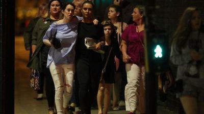 """22 muertos por posible """"incidente terrorista"""" en un estadio de Manchester tras un concierto de Ariana Grande"""