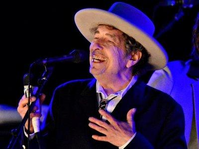 Bob Dylan reescribe e ilustra sus canciones en una exposición