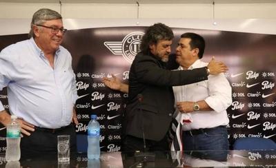 HOY / Libertad presenta a Leonel Álvarez con la presencia de Cartes
