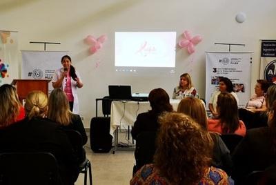 Lanzan campaña octubre rosa en Ciudad Mujer