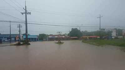 Lluvia causa inundaciones en barrios de Concepción