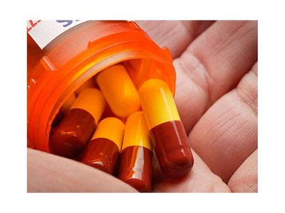 La automedicación hace perder efectividad a los antibióticos, según Salud