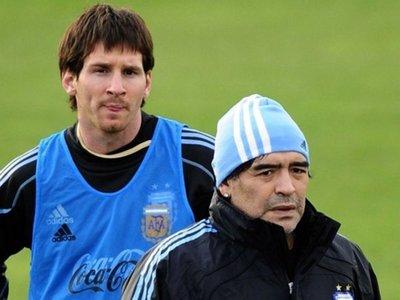 Maradona le pega con todo a Messi