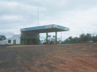 """""""Motochorros"""" asaltan gasolinera en Capiibary"""