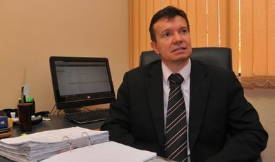 Arregui auditará gobierno de Cartes y de Marito