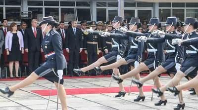 POLICÍA NACIONAL DEBE INCREMENTAR SU PERSONAL FEMENINO, SEGÚN MINISTRO