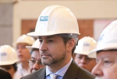 "Abdo Benítez ataca credibilidad de ""medios de Cartes"""