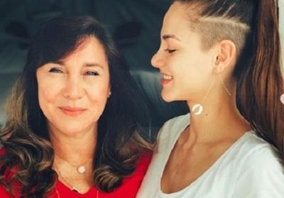 Nicole Huber Emocionada Saludó A Su Mamá Por Su Cumpleaños