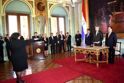 Teresa Martínez asumió como titular del Ministerio de la Niñez