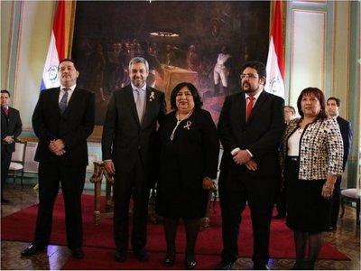 Teresa Martínez jura como ministra y reafirma compromiso