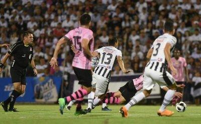 Olimpia golea 5-0 a Deportivo Santaní en Pedro Juan Caballero