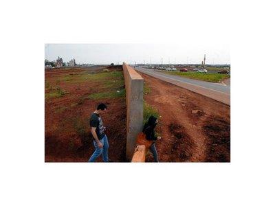 Brasileños piden un muro en la frontera con Paraguay