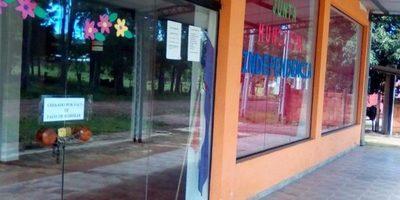 Cierran local de la Municipalidad de Independencia por falta de pago de alquiler
