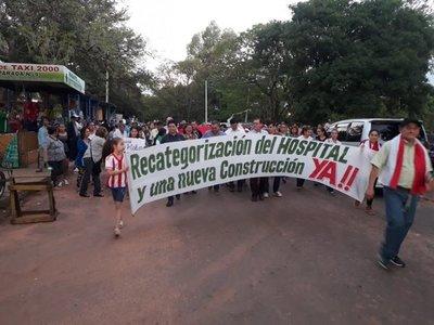 Con manifestación exigen construcción de nuevo hospital en Caaguazú