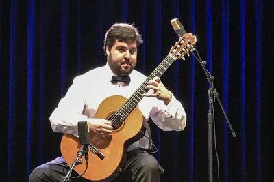 """""""Es menester reestudiar y volver a grabar toda la música paraguaya"""""""
