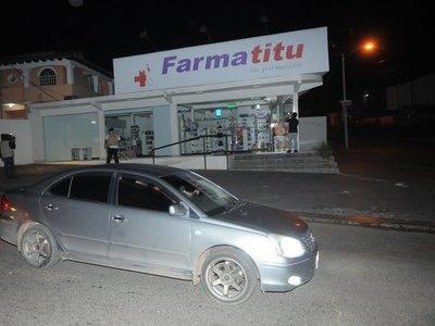 A mano armada roban farmacia en Lambaré