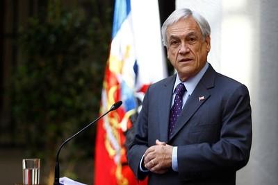 Piñera estudia visitar Caracas para buscar salidas a la crisis