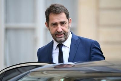 Emmanuel Macron hace cambios en el gobierno y nombra un nuevo ministro del Interior