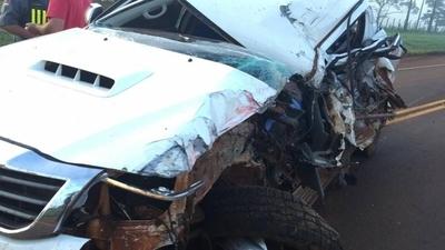 HOY / Dos muertos en accidente entre camioneta y camión