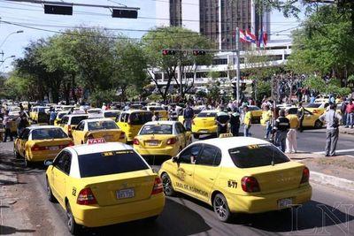 Taxistas anuncian medidas de fuerza si Petropar no baja precios