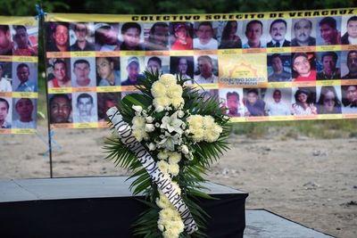 Hallan fosa clandestina con 10 cuerpos en occidente de México