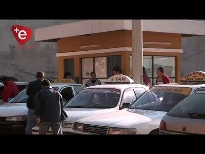 Denuncian presencia de taxis ''mau'' y tránsito anuncia controles