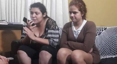 """HOY / Las dos mujeres que cantaron """"sobre"""" cadáveres de los cinco asesinados sabrán su """"destino"""""""