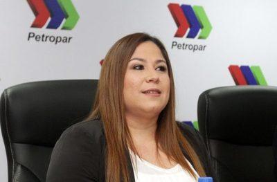 La titular de Petropar se defiende de las supuestas irregularidades