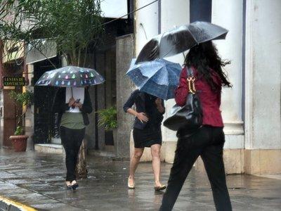 Anuncian lluvias con vientos próximos a 100 km/h para mañana