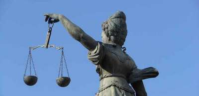 Confirman a jueza en el caso de abogada imputada