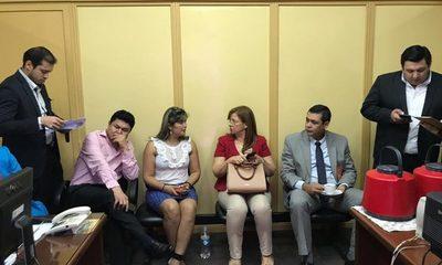 Concejales buscan votos para la intervención de la Municipalidad de Ciudad del Este