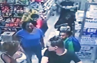 Mujer acusa de agresión sexual a un niño de 9 años que la rozó sin querer con su mochila