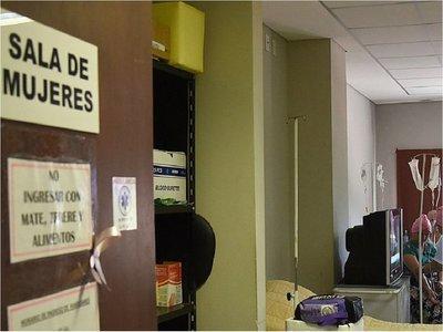 Sin mamógrafo ni medicamentos en Clínicas, en pleno Octubre Rosa