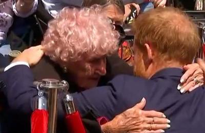 La historia del príncipe Harry y su fan más incondicional: una australiana de 98 años