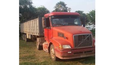 Detienen camión con postes de quebracho en el Chaco – Prensa 5
