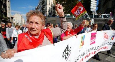 Jubilados protestan contra las reformas de Macron