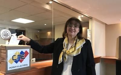 Ecuador expulsó a embajadora de Venezuela
