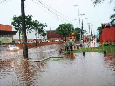 Tormenta afectó con fuerza a zonas de Alto Paraná, Itapúa y Canindeyú
