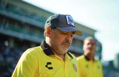 HOY / La salud de Maradona vuelve a despertar incertidumbre tras vídeo en las redes